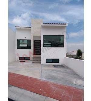 Casa En Venta En Pedregal De Schoenstatt, Corregidora, Querétaro, En Privada Con Vigilancia