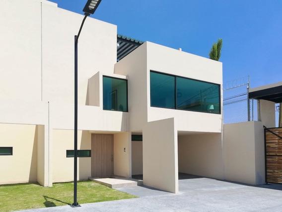 Exclusiva Casa En Venta, Toluca A 5 Minutos De Town Square Metepec