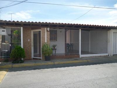 Casa En Venta En San Joaquin De Turmero Hecc 18-377