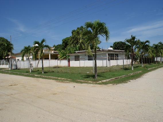 Casa En Venta Via Canales De Rio Chico El Cangrejal