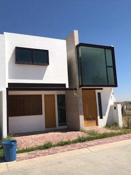 Casa En Renta En Fraccionamiento Valle Imperial
