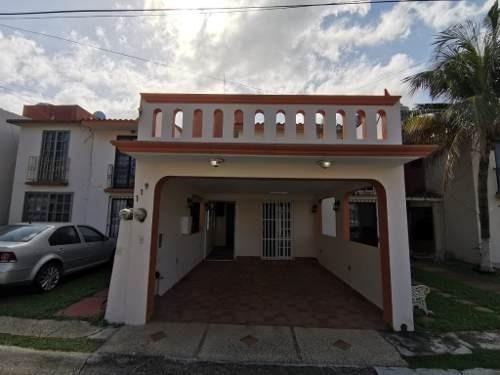 Casa En Venta, Col. Balcones Del Mar, Coatzacoalcos, Ver.