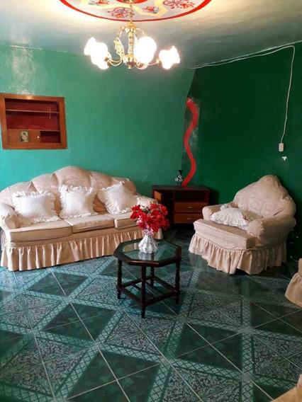 Casa:2 Habitaciones, Cocina, Sala, Comedor, Baño, Lavandería