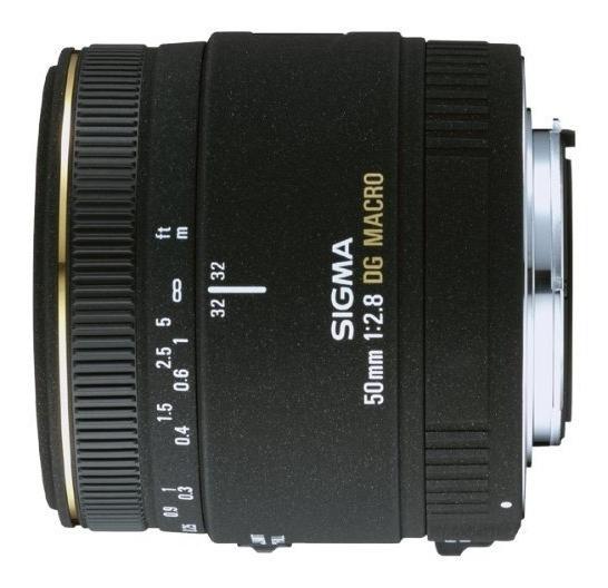 Lente Sigma 50mm F2.8 Dg Macro P/ Nikon Autofoco + Parasol
