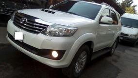 Toyota Hilux 3.0tdi Sw4 4x4 Srv Mt Linea Nueva 2012 3 Filas