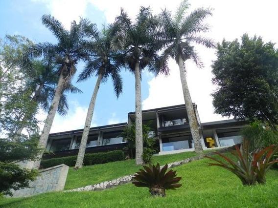 Espectacular Casa Ubicada En Una De Las Mejores Zonas!!
