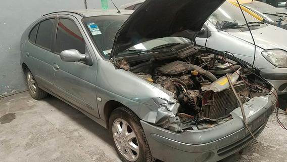 Renault Megane 1.9, Scenic, Sandero, Chocados Con Bajas