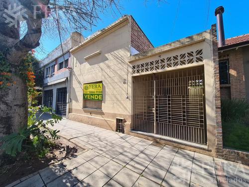 Venta De Casa 5 Ambientes Con Cochera Y Patio En Quilmes (26821)