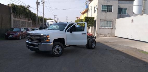 Chevrolet 3500 Equipada
