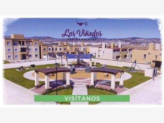 Casa Sola En Venta Priv. Los Viñedos. Con 4 Parques. Fácil Acceso Y Salida Cdmx.