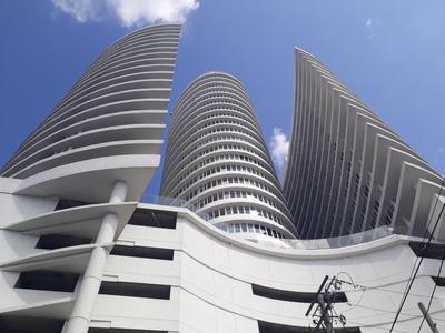 18-1686ml Espectacular Apartamento En La Avenida Balboa