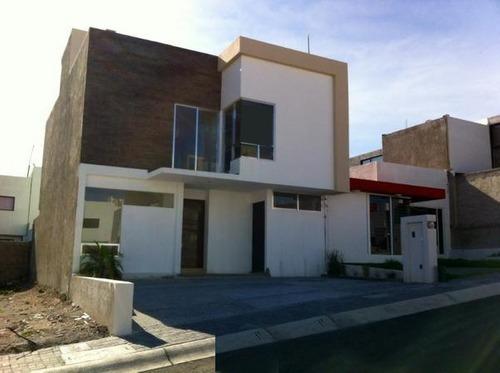 Casa En Venta Zen House, El Mirador, 3 Recamaras, Estudio, 3.5 Baños Roof Garden