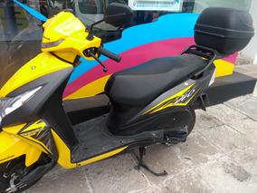 Honda Dio Cc110 Color Amarillo Seminueva Con Maletero