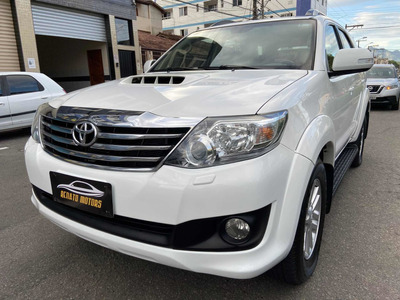 Toyota Sw4 3.0 Srv 5l 4x4 Aut. 5p 2013
