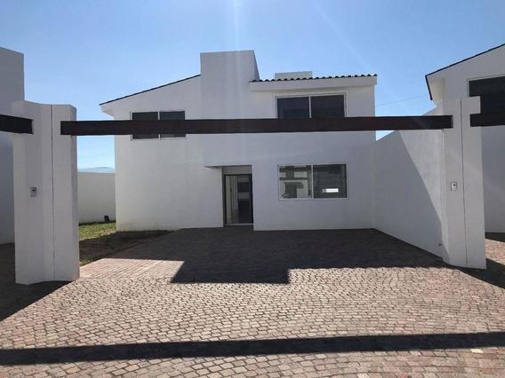 Casa Residencial En 2 Niveles Muy Iluminada Y En Privada M7