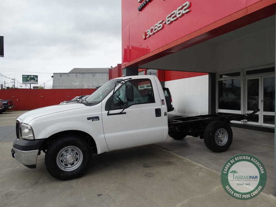 Ford F-350 4x2 2p
