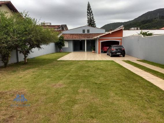 Casa Com 3 Dormitórios À Venda, 200 M² Por R$ 950.000,00 - Parque São Jorge - Florianópolis/sc - Ca0451
