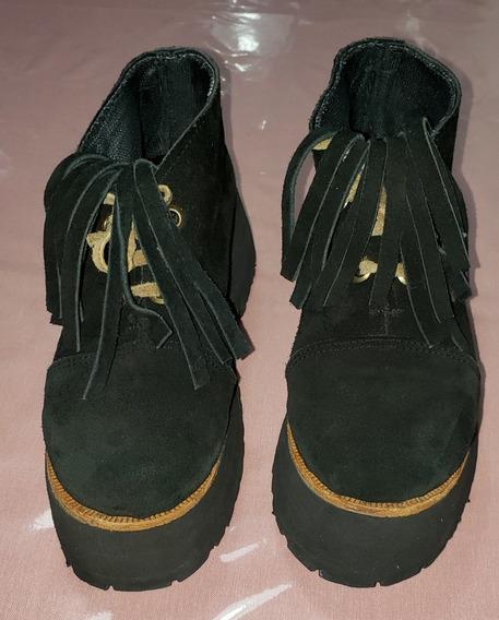 Botitas Negras De Gamuza Negra Con Plataforma Y Flecos 36