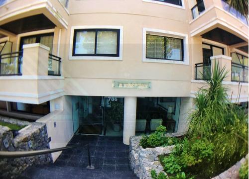 Apartamento En Rambla Costanera De 1 Dormitorio Con Cochera