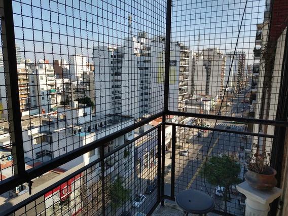 Monoambiente Sobre Avenida Con Muebles-piso Alto