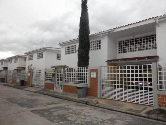 Dvm 19-20033 Se Vende Hermoso Townhouse En Villas Del Sol 2