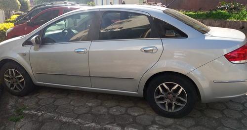 Fiat Linea 2011 1.8 16v Lx Flex Dualogic 4p