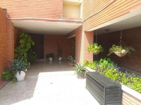 Apartamento En Venta Indio Mara. Oa