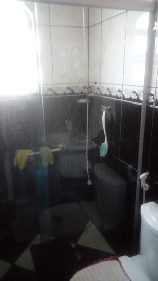 Casa Com 3 Quartos,2 Banheiros, Garagem Coberta Pra 2 Carros