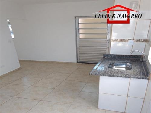 Imagem 1 de 10 de Casa 03 Cômodos Com Vaga - 784
