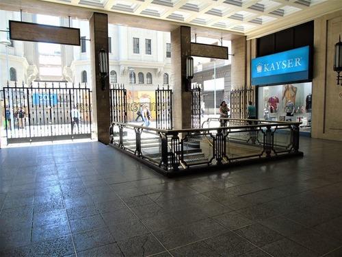 Imagen 1 de 12 de Oficina En Venta En Santiago