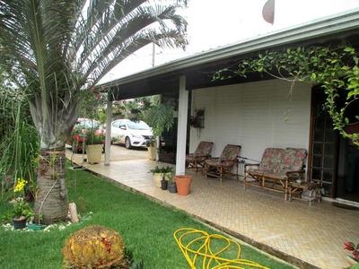 Casa Com 4 Dormitórios À Venda, 270 M² Por R$ 870 Mil-piracaia Sp- Condomínio Fechado. - Ca1809