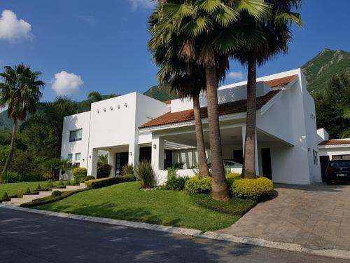 Casa En Venta En Las Misiones Club De Golf. 4 Recámaras.