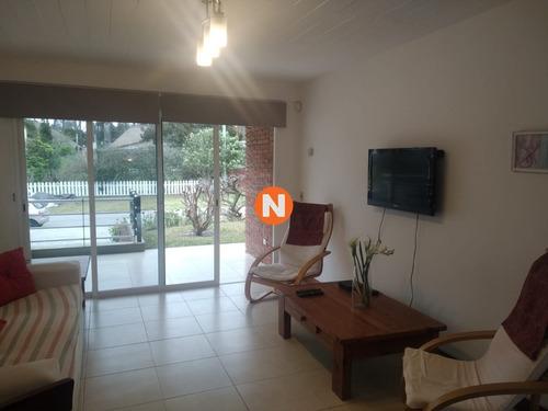 Apartamento En Venta Y Alquiler, , Punta Del Este, 2 Dormitorios.- Ref: 6764