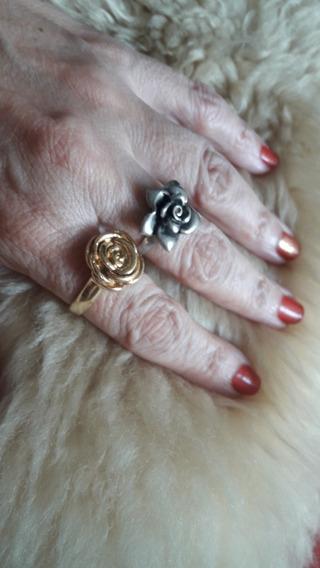 Dois Anéis Por Cinquenta Reais: Um Dourado E Outro De Prata.