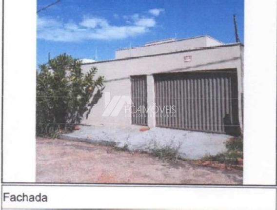 Avenida Bouganville, Centro, Monte Carmelo - 434140