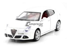 Miniatura Alfa Romeo Giulietta Branco Bburago 1/24