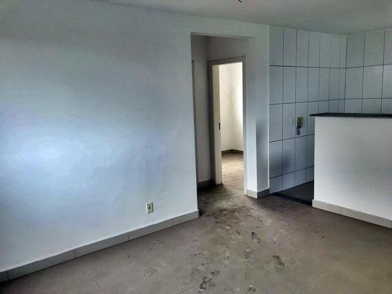 Apartemento Planalto 2 Quartos - R$ 780,00 Aluguel - Ibh1256