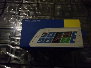 Caja Nokia Lumia 710