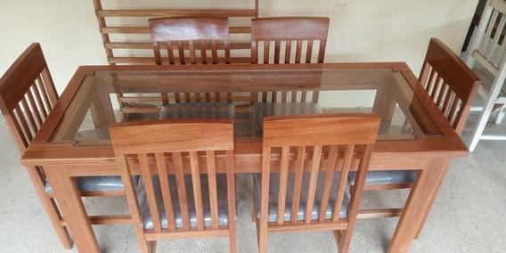 Mesa De Madeira Com Vidro, 6 Cadeiras Com Acolchoado!!!