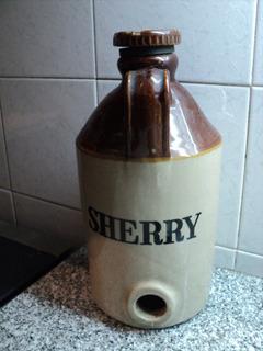 Botella Gran Porron Chop Moira Gres Sherry Pearson