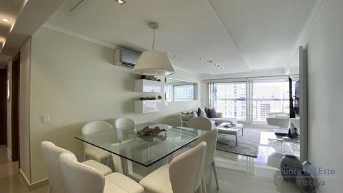 Piso Alto 2 Dormitorios 2 Baños Y Garage Punta Del Este - Playa Mansa - Vista Al Mar