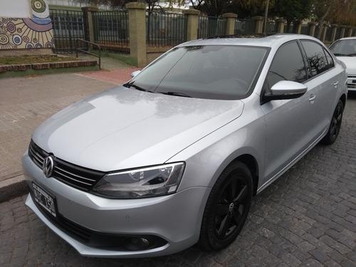Volkswagen Vento 2.5 Luxury 2013
