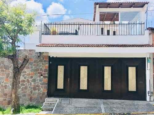 Venta Casa En Lomas De Loreto.