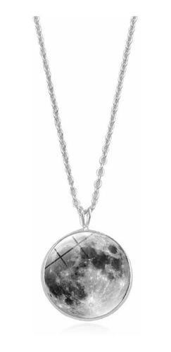 Imagen 1 de 6 de Collar De Luna Llena Brillante En La Oscuridad Con Cadena