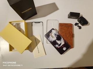 Celular Pocophone F1 128gb 6gb Ram + Vários Acessórios