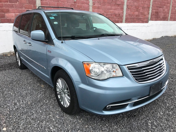 Chrysler Town & Country Versión Tanya Moss