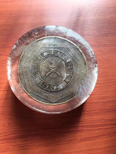 Imagen 1 de 3 de Antigua Medalla De Bronce En Silicona Oficiales  1929