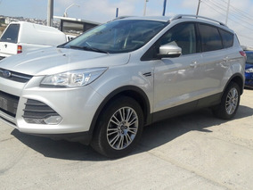 Ford Escape! Como Nueva! Garantia Y Credito Disponible