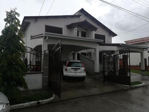Casa Venta En Las Cumbres Quintas Del Lugo #19-5493hel**