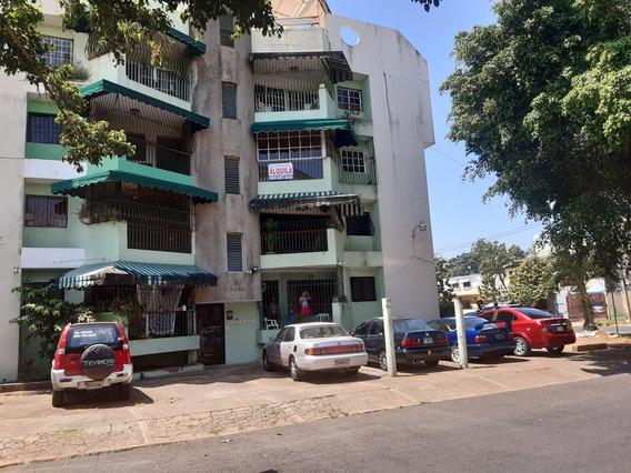 Ensanche Ozama, Apartamento Bien Amplio.
